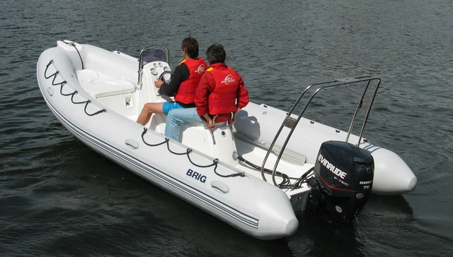 Falcon - cерия лодок приспособленнх для морских прогулок и развлечений