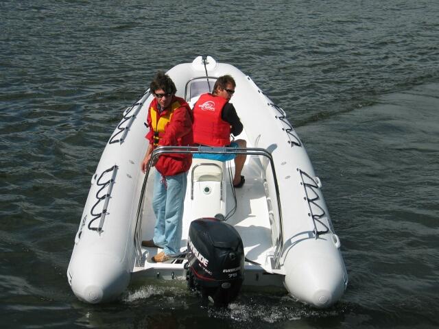 лодка, камужляжная расцветка,надувная лодка