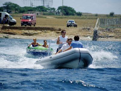 Килевая лодка Brig