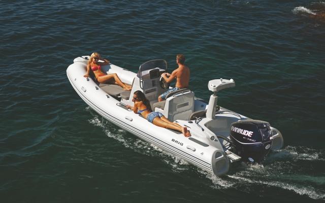 лодки BRIG  e580